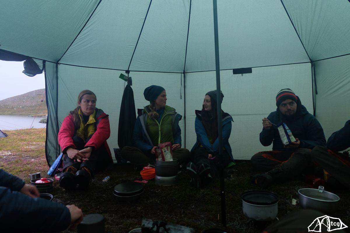 Hilleberg Altai als allabendliches Gruppenzelt